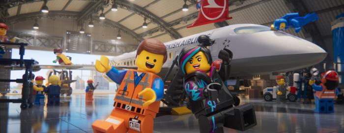 الخطوط الجوية التركية تقدم: شخصيات ليغو تشرح تعليمات السلامة